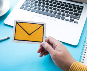 Email Appending Plugs Decays of Your Ageing B2B Clientele